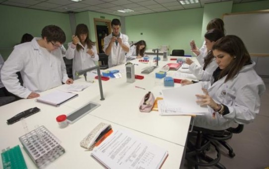 laboratorio universidad Cardenal Herrero CEU